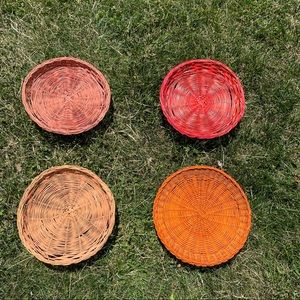 Set of 4 Colored Paper Plate Holders